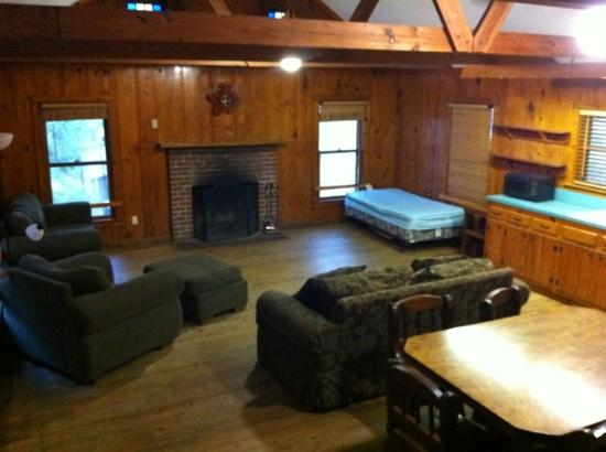Village Creek State Park: cabin living area