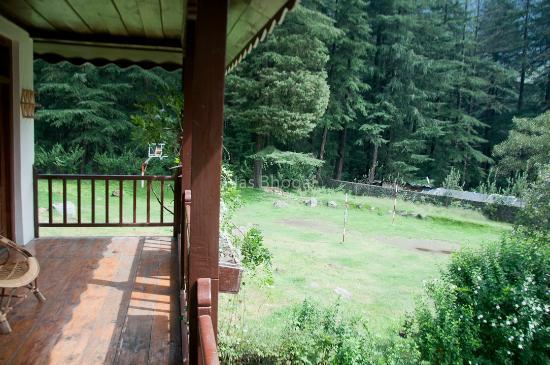 Baikunth Manali : Balcony