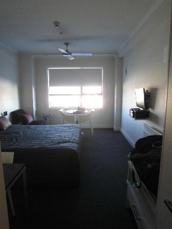 เควสนาปิเออร์โฮเต็ล: Room
