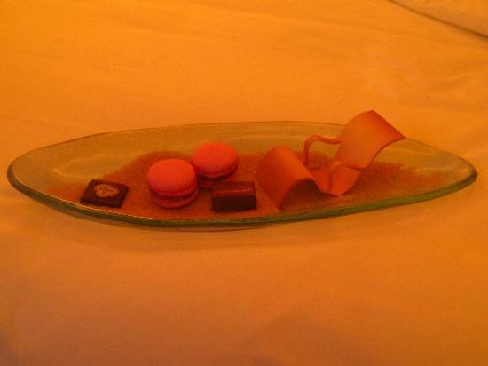 منتجع سان ريجيس جزيرة السعديات: trop beau et délicieux, attention du soir