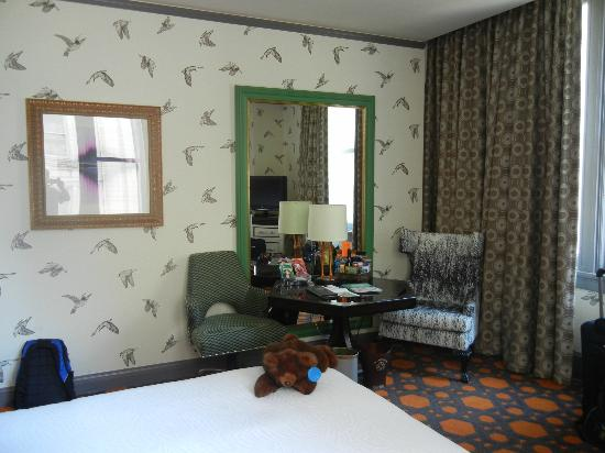 Kimpton Hotel Monaco Portland: Nice Sitting Area