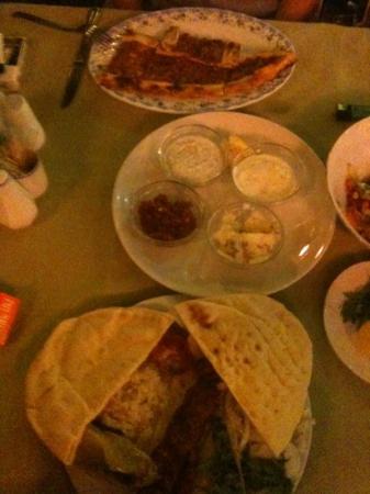 Kasim Restaurant : pide ve ücretsiz mezeler