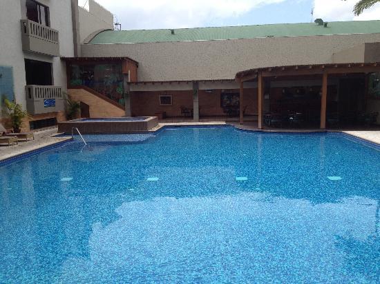 Barcelo Guatemala City : Pool