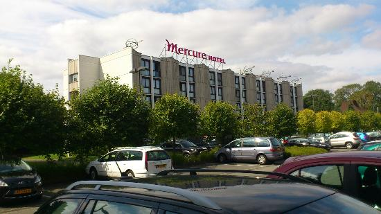 Mercure Lille Metropole Hotel : View from car park