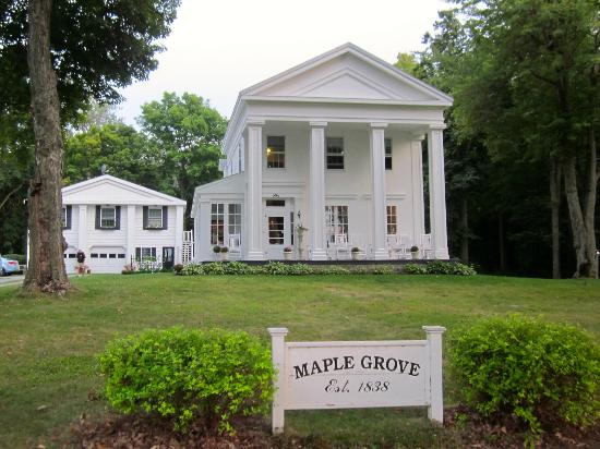 Maple Grove Bed and Breakfast: Maple Grove 1838