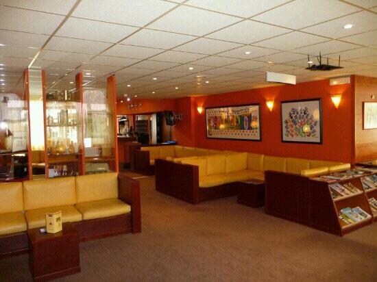 Hotel & Residence Balneo Aladin: Hall-salon d accueil chaleureux