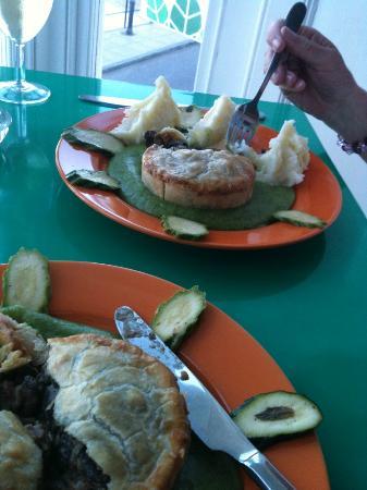 Spinacio's: Peppered Mushroom Pie