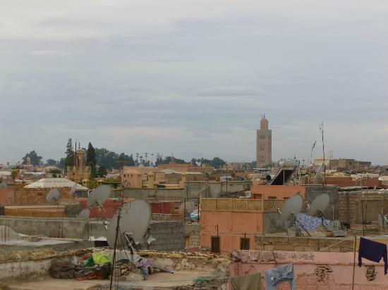 Dar Hanane: Vue sur la ville depuis la terrasse