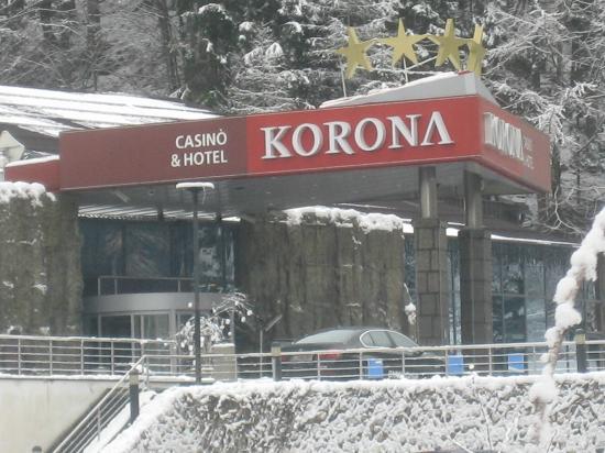 Ramada Resort Kranjska Gora: L'ingresso meraviglioso dell'Hotel Korona