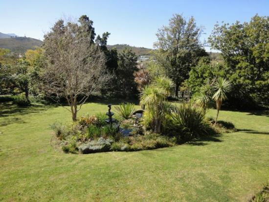 Braeside Guest House: Gardens