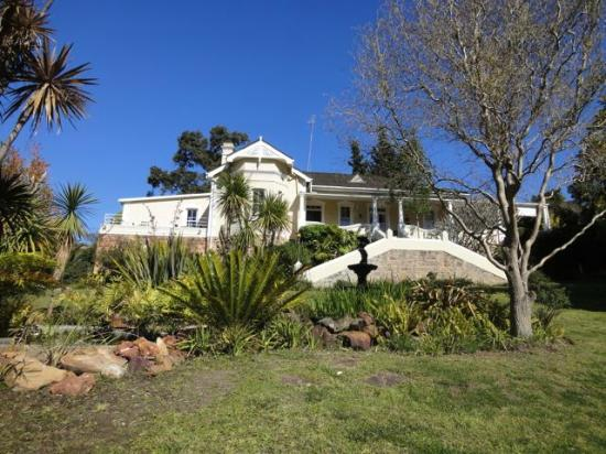 Braeside Guest House: The house