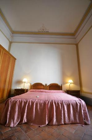 Antico Hotel del Pomarancio: camera