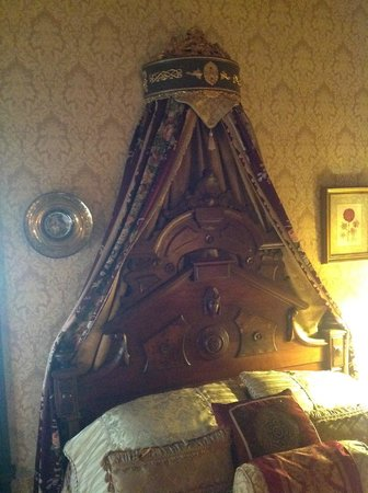 The Frederick Stegmaier Mansion: Beautiful headboard