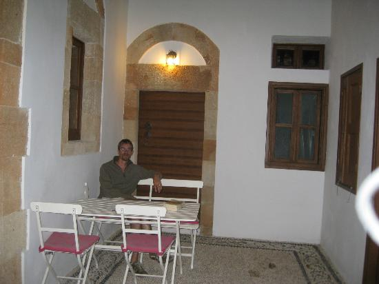 Casa Lindos: Courtyard