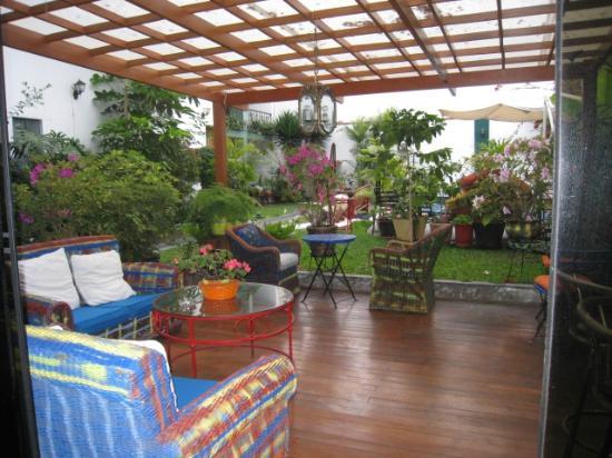 Peru Star Botique Apartments Hotel: Saliendo de la habitacion, estar exterior