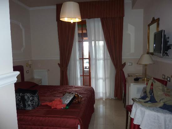 Hotel Gran Duca: Zimmer