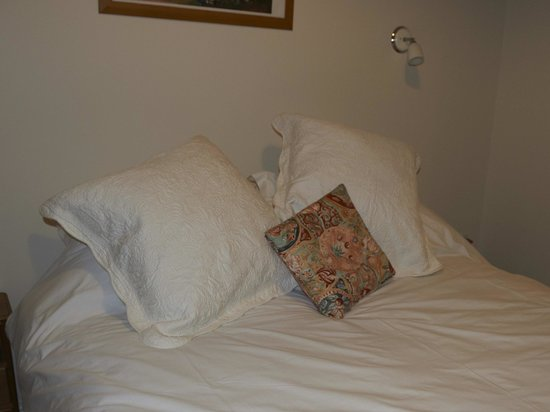 Launde Farm Cottages: Bedding