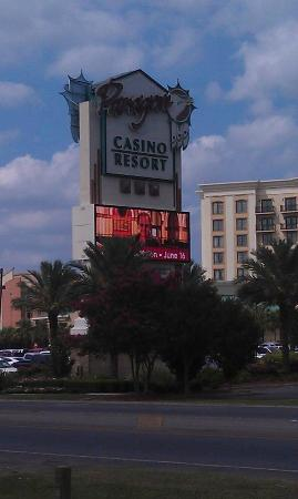 Casino Golf Cabins : Paragon Casino...walk there in minutes or ride the Shuttle Bus!
