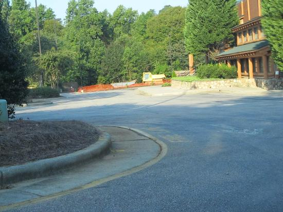 Hawthorn Suites by Wyndham Raleigh: drive to hotel