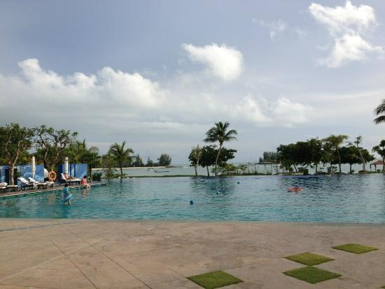 The Danna Langkawi, Malaysia: プールは広くていい感じでしたよ