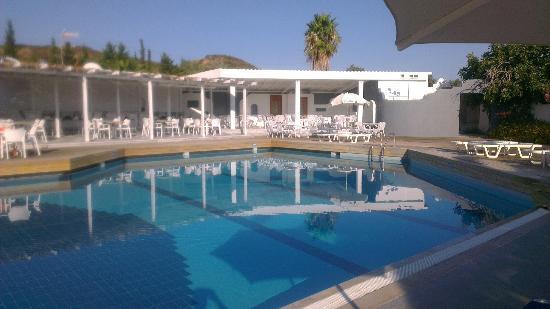 Ioli Village: Pool area