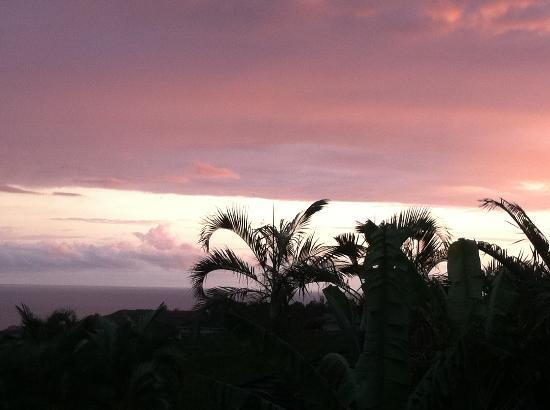 Hale Ikena Nui: Sunset