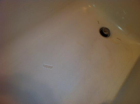Hobbs, NM: stained tub