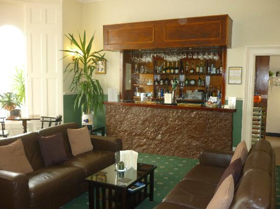 Riviera Lodge Hotel Torquay: bar area