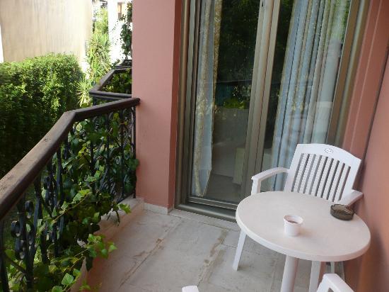 Athos Hotel: room balcony