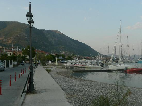 Athos Hotel: on the way to harbour minutes from hotel