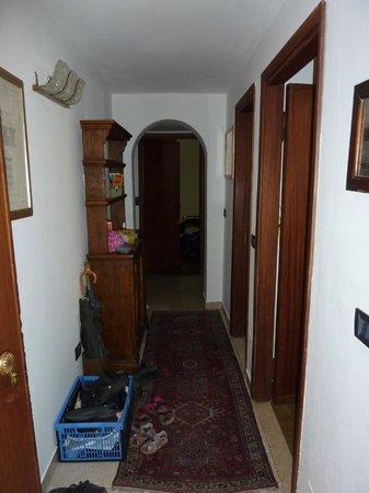 Locanda Borgonuovo B&B: Gang Appartement 3. Stock