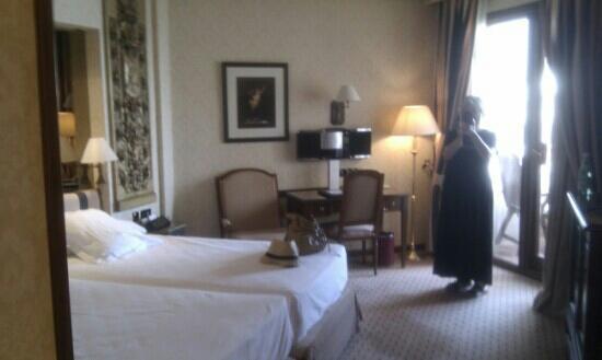 แกรนเมเลียวิคทอเรียโฮเต็ล: just arrived, great std room