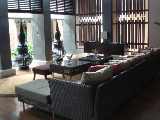 Radisson Blu Plaza Resort Phuket Panwa Beach: Hotel Lobby