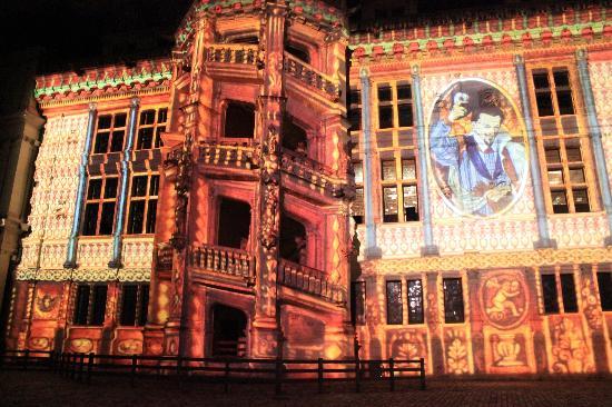 Chateau Royal de Blois : Son et Lumière de Blois