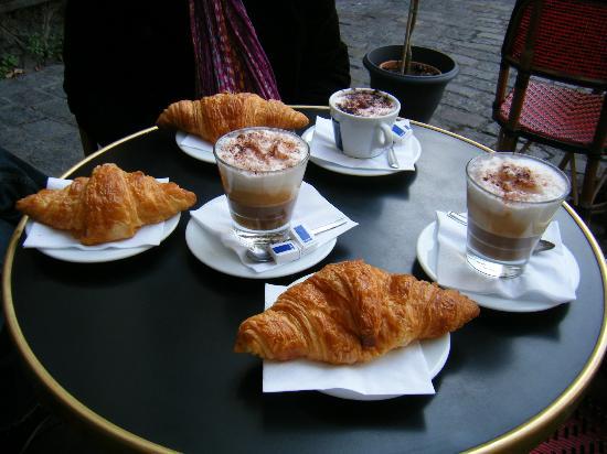 Relais De La Butte : The breakfast there, in total 21.7 euro.