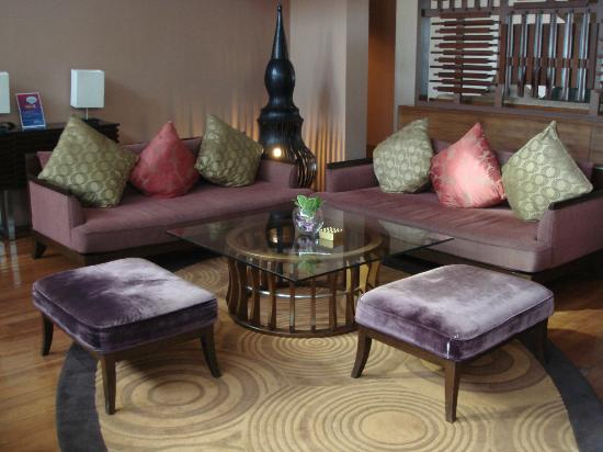 Pullman Phuket Panwa Beach Resort: Foyer seating