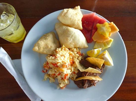 Tranquility Bay Resort: 'Belizean Eggs' breakfast
