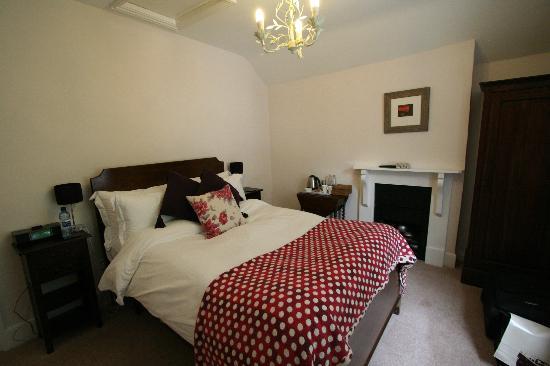 Edgcott House: lovely