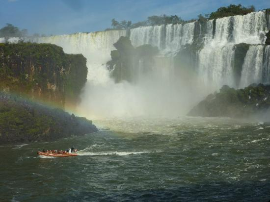 Belmond Hotel das Cataratas: Argentinian side of the falls (with boat)