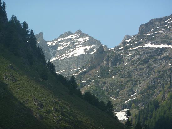 Baisaran: A view of the Himalayas