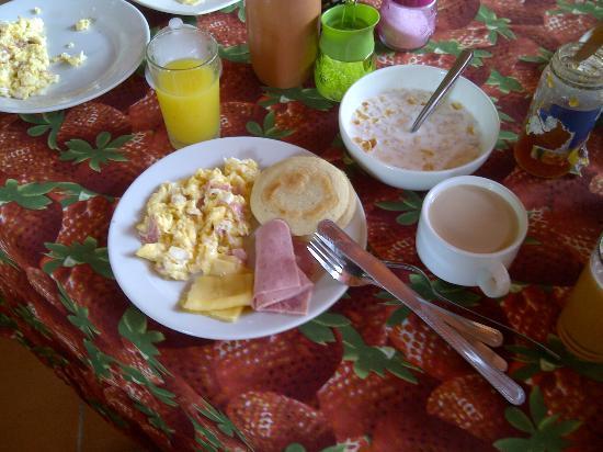 Yaque Beach Hotel : Desayunos.