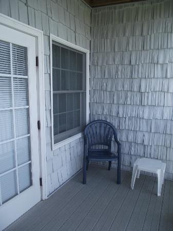 Comfort Suites Chincoteague: Hotel room private patio!
