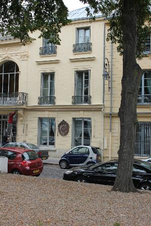 Hotel de France: Front view of the hotel