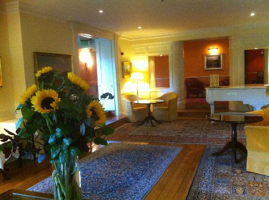 Sheen Falls Lodge: Lounge