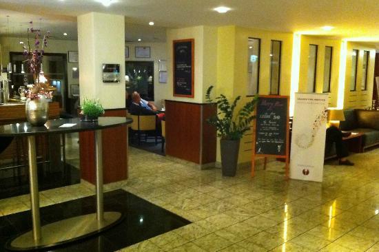 Mercure Hotel Münster City: Lobby und Barbereich