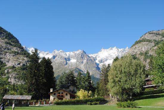 Auberge de la Maison: Mt. Bianco