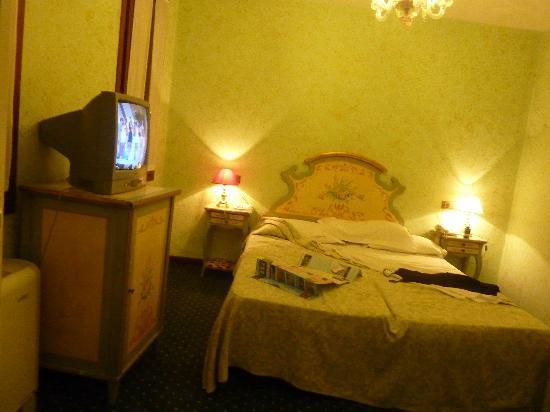 Hotel La Fenice Et Des Artistes: bedroom 