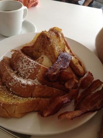 Rhinoceros Cafe and Grill: French toast