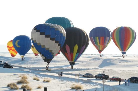 White Sands National Monument: Balloon Launch at White Sands