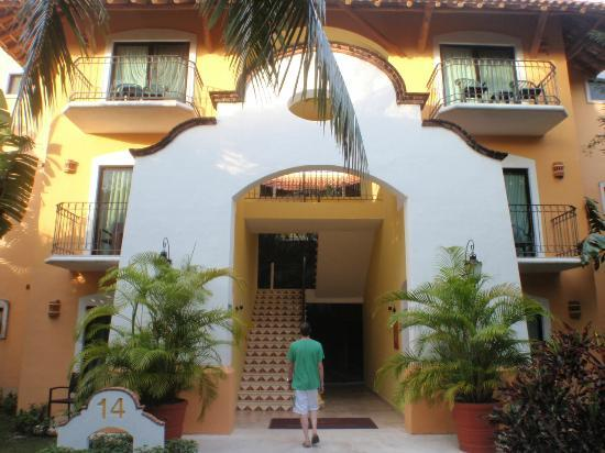 Occidental Cozumel: building entrance